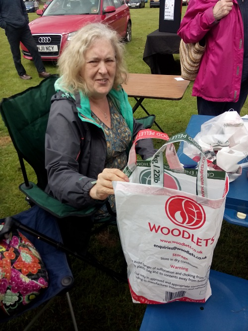 Judith-Ann shows her upcycled shopping bag